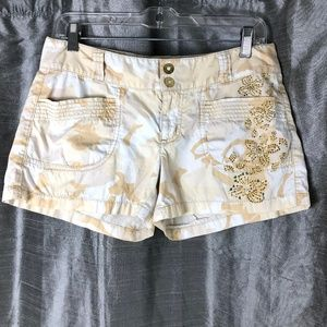Express Shorts Camo Low Rise Pockets and Glitter